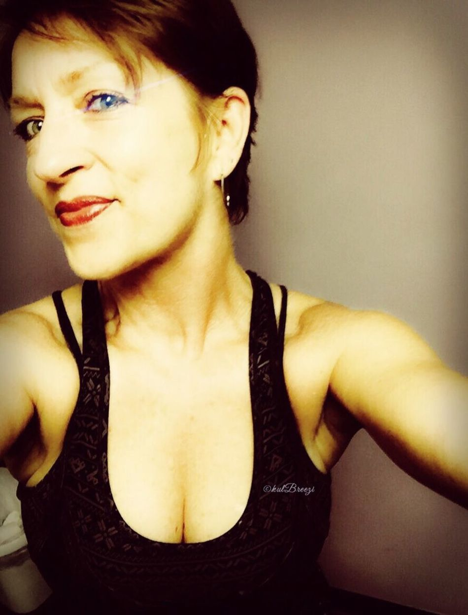 ...workout afterglow Hello World Taking Photos Selfiesaturday StreamzooVille Strength Moon