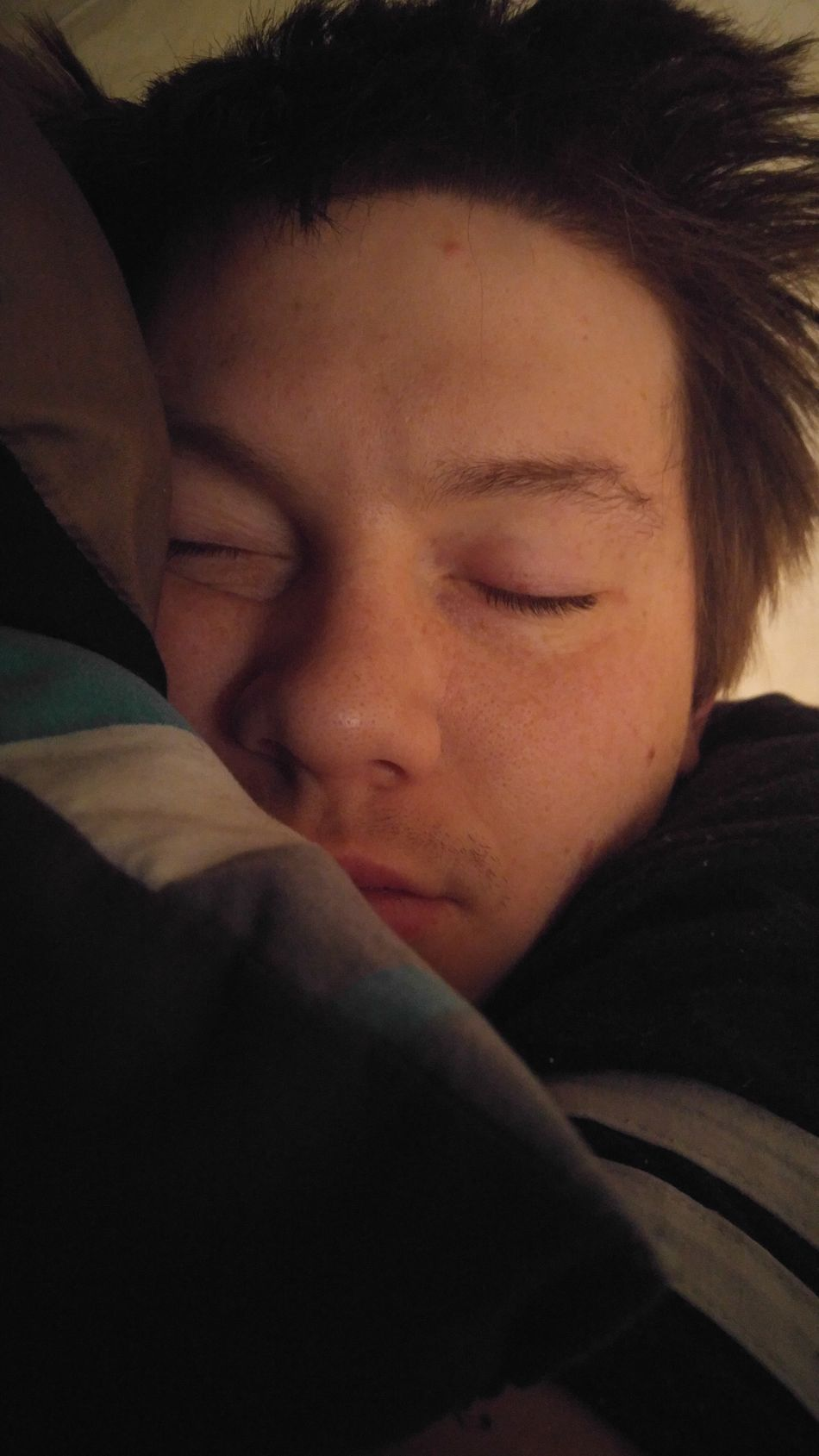 My handsome babe sleeping in this morning 😍 i love him so much & im so thankful for everything he does for me. 💚 Boyfriend New Popular Photos Taking Photos Today's Hot Look Perfect Love Hello World Happy Check This Out Likes Follow Handsome Sleeping
