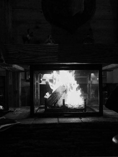 Fire Blackandwhite IPhoneography Rustic Wood Evening Open Edit Family Time Beginnerphotographer Darkness And Light The Elements Forces Of Nature Controle