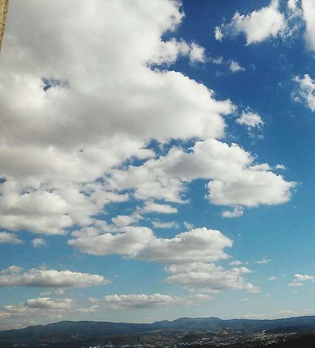 El cielo de Tegucigalpa Honduras Symmetrical