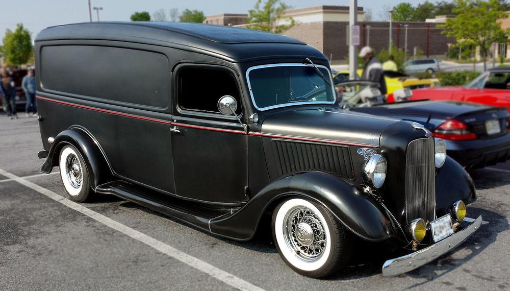 Antique Ambulance Car Show Custom Cars, Hot Rods, Car Show Ford Ambulance Ford Hearse Historic Vehicles Old Ambulance Vintage Cars
