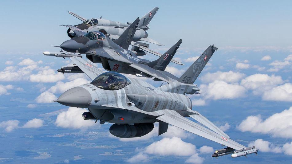 Beautiful stock photos of militär, military, air force, aerospace industry, airplane