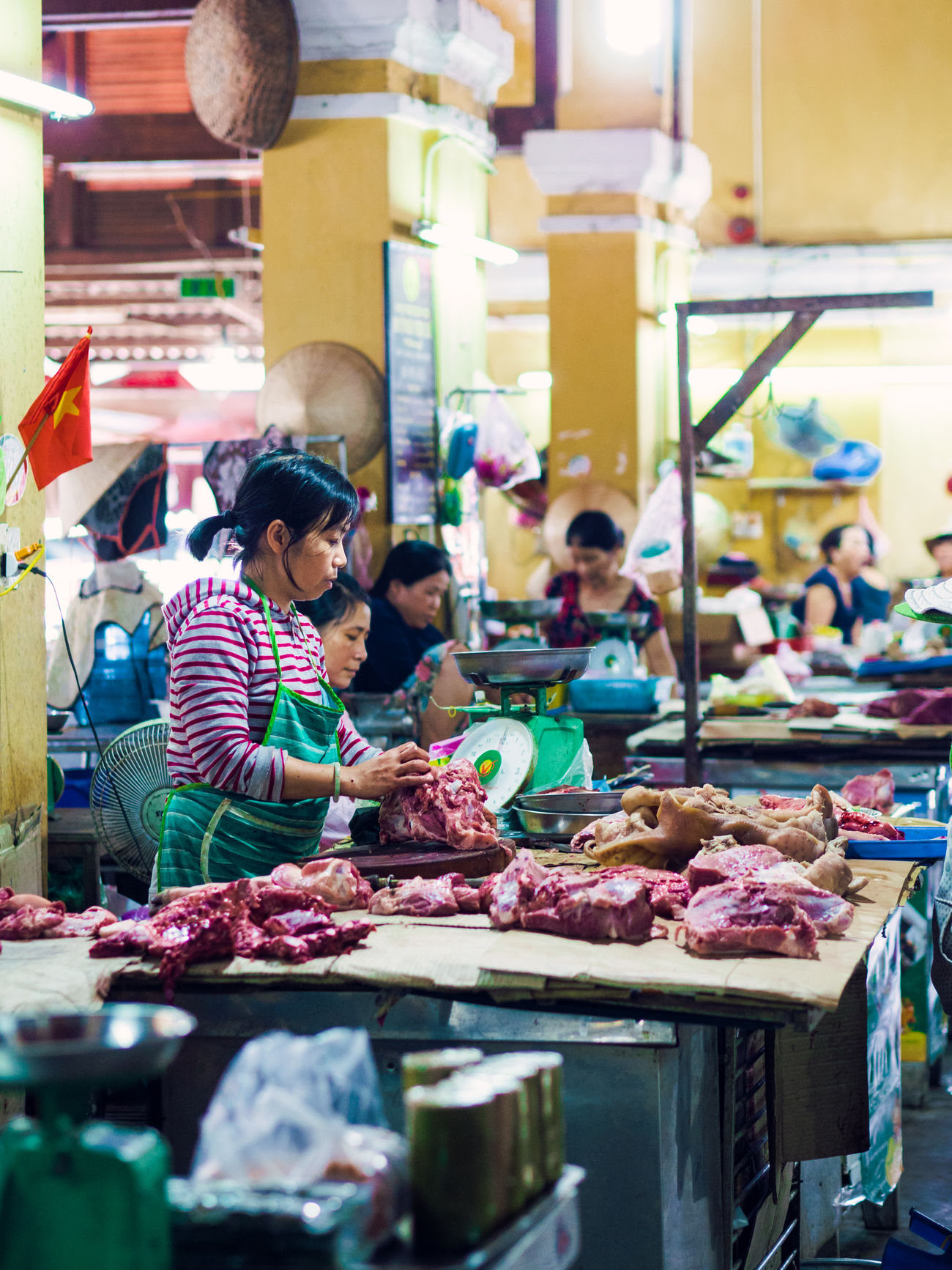 Adult Adults Only Business Business Finance And Industry Butcher Butchers Buying Customer  Day Food Food And Drink Freshness Hoi An Holiday - Event Market Occupation Outdoors People Retail  Small Business Store Vietnam Women Young Adult