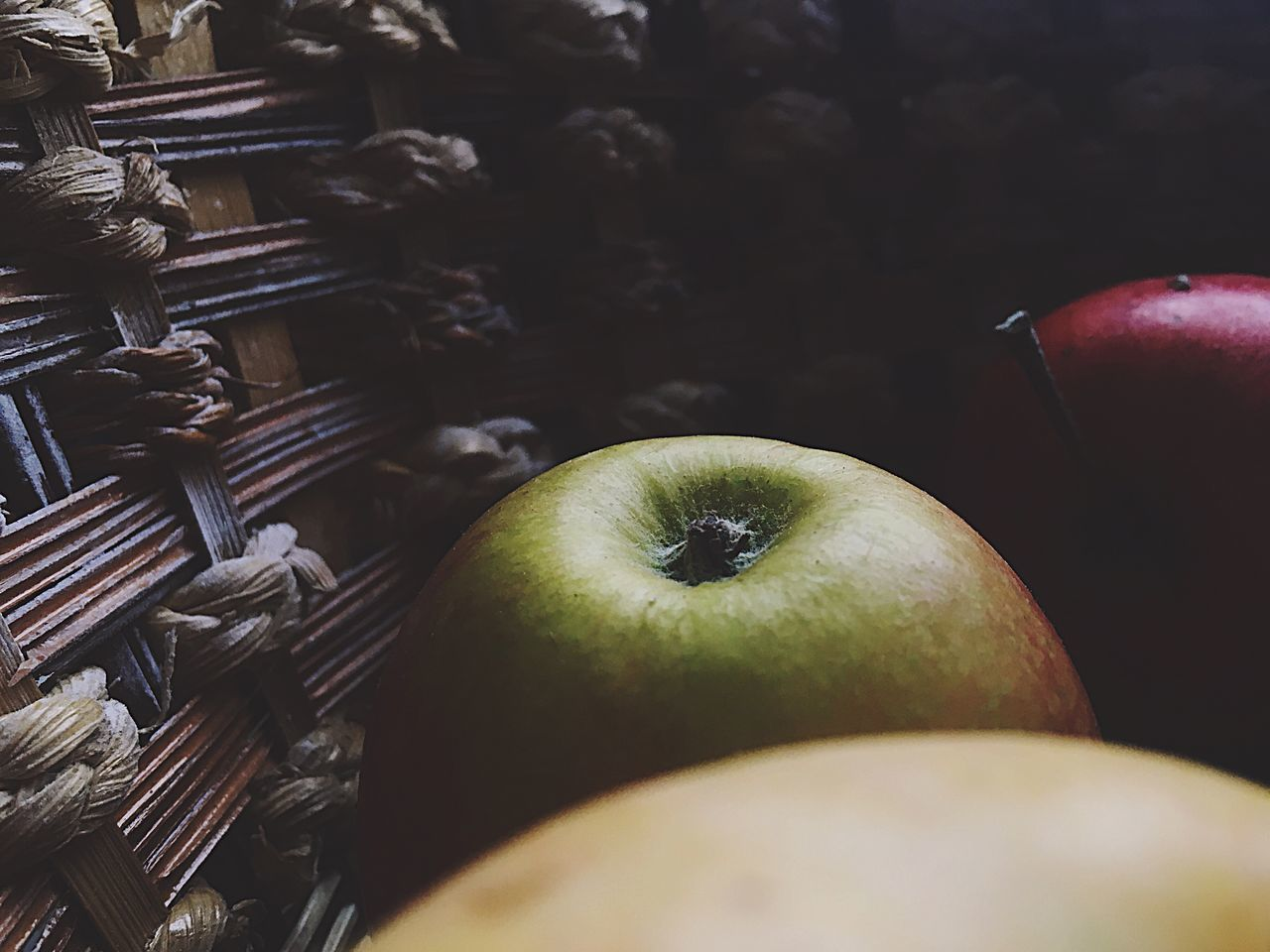 🍏🍎🍏🍎 Fruit Eye4photography  Food And Drink Healthy Eating Indoors  Food Freshness Close-up No People Day EyeEmNewHere EyeEm Eyeemphoto Lovephotography  Backgrounds Apples Summertime Eyemphotography Food And Drink View Yellow Yellow&green EyeEm Best Shots Followme Country Life