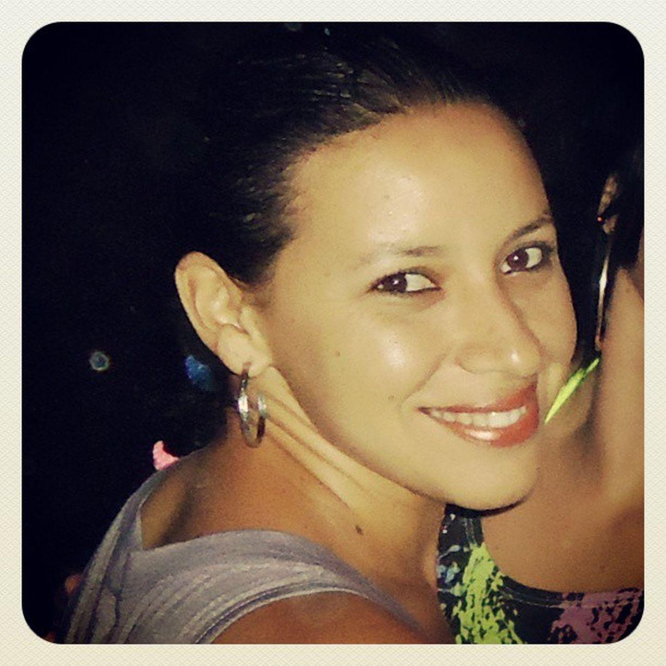 Hoje é niver de uma pessoa mega especial pra mim...minha amigona-irmã BetanhaAlves ... peço a Deus que a ilumine sempre, que a cubra com muitos anos de vida com saúde, sabedoria, sorte e sucesso sempre... FELIZ ANIVERSARIO MINHA AMIGA!!!
