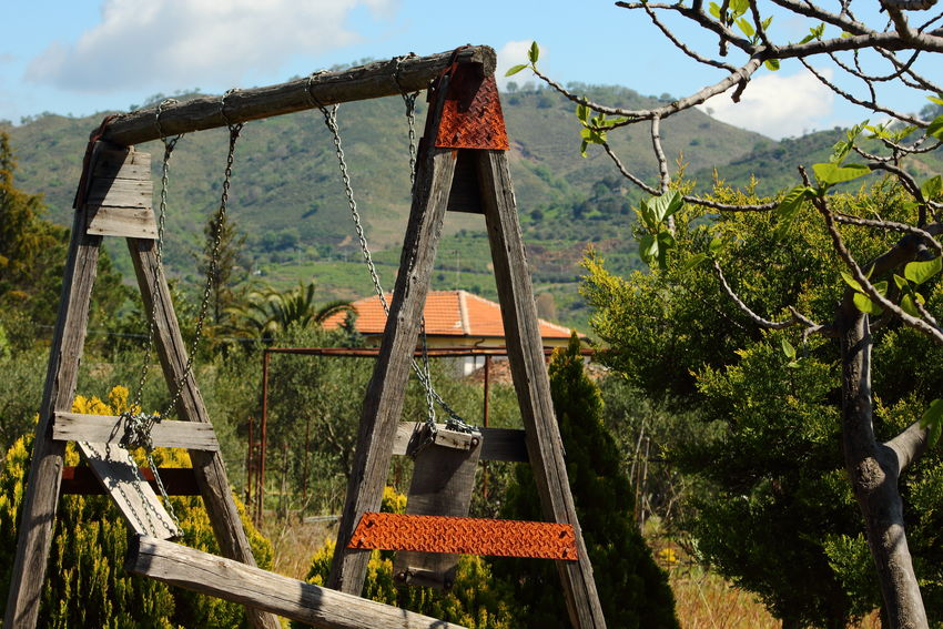 Altalena Ambientazione Esterna Campagna Cielo Nuvoloso Cloud - Sky Colline Day Etna Growth Happy Easter Hills Italy Linguaglossa Mountain Natura Nature No People Outdoors Pasquetta Seesaw Seesaw Game Sicily Tree Trees Wood - Material