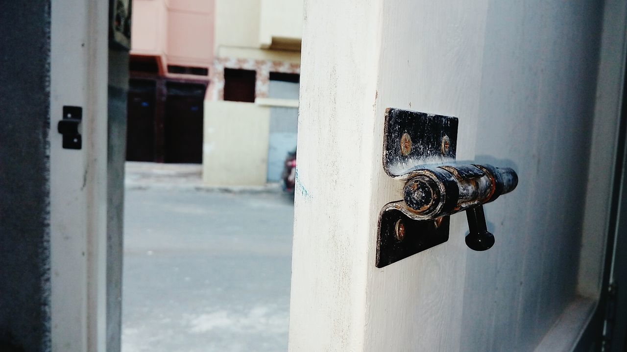 door, day, no people, built structure, close-up, outdoors, architecture, building exterior