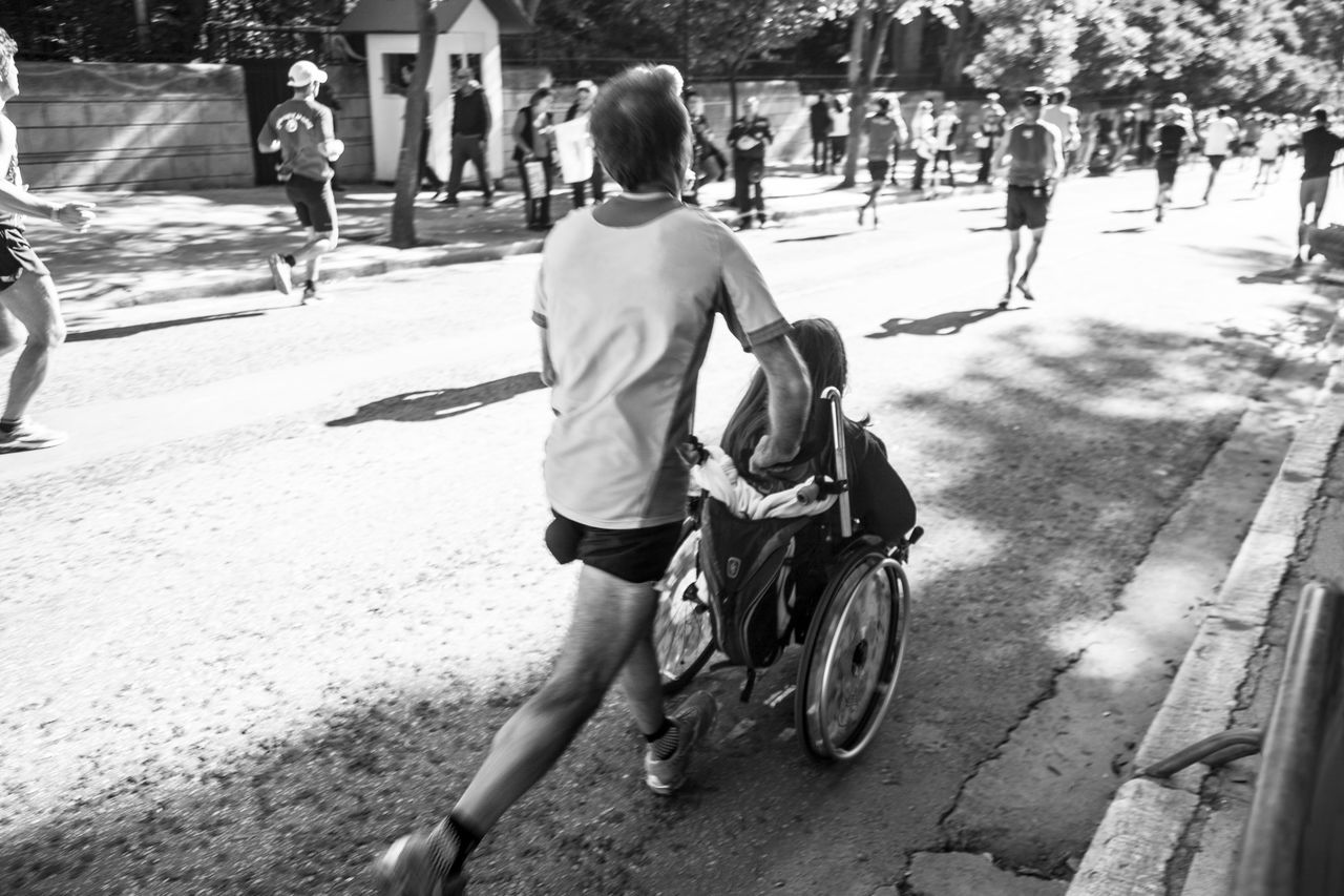 Athens authentic Marathon - 2016 Adult Athens Authentic Blacj And White Blacjandwhite Blackandwhite Day Greece Handicap Marathon Outdoors People Real People Running Sports Street Street Photography Streetphotography Wheelchair
