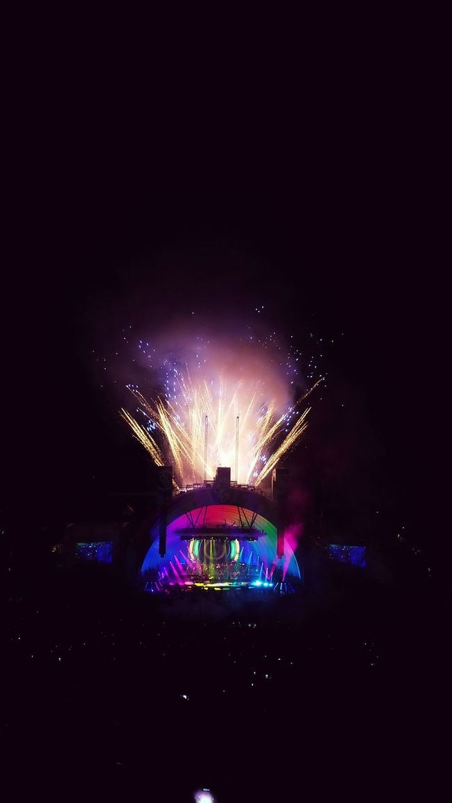 Celebration Night Illuminated Firework Display Multi Colored Exploding Event Firework - Man Made Object Sparks Colorful Vibrant Color Stage - Performance Space Musician Enjoyment Music Arts Culture And Entertainment Concert Electric Light Orchestra Elo Crowd Entertainment Firework Hollywood Bowl