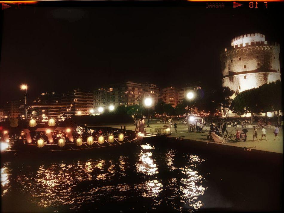 Της Σαλονίκης μοναχά της πρέπει το καράβι. Nightphotography Boat Ride Snapseed Cityscapes Thessaloniki Thessaloniki Greece Promenade Landmark