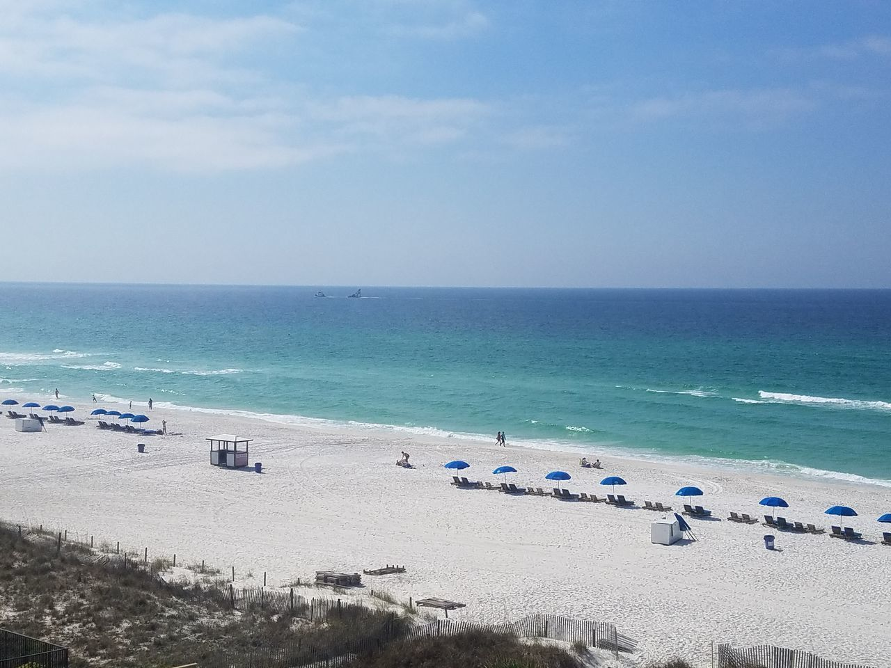 Sea Horizon Over Water Beach Sky Outdoors Scenics Water Large Group Of People Beauty In Nature Nature Day People Adults Only Adult