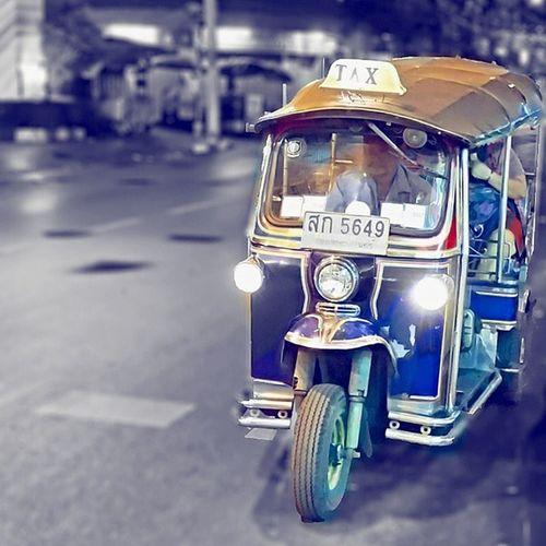 Midnight Tuk Tuk Ride Explore Tuktukrun Midnight Fun Transport Bangkok Metropolis TukTuk Lifestyle Awesome Bangkoklifestyle Travel Bangkokcity City Thailand BKK Taxi Amazingthailand Photography Photographer Picoftheday Bestoftheday