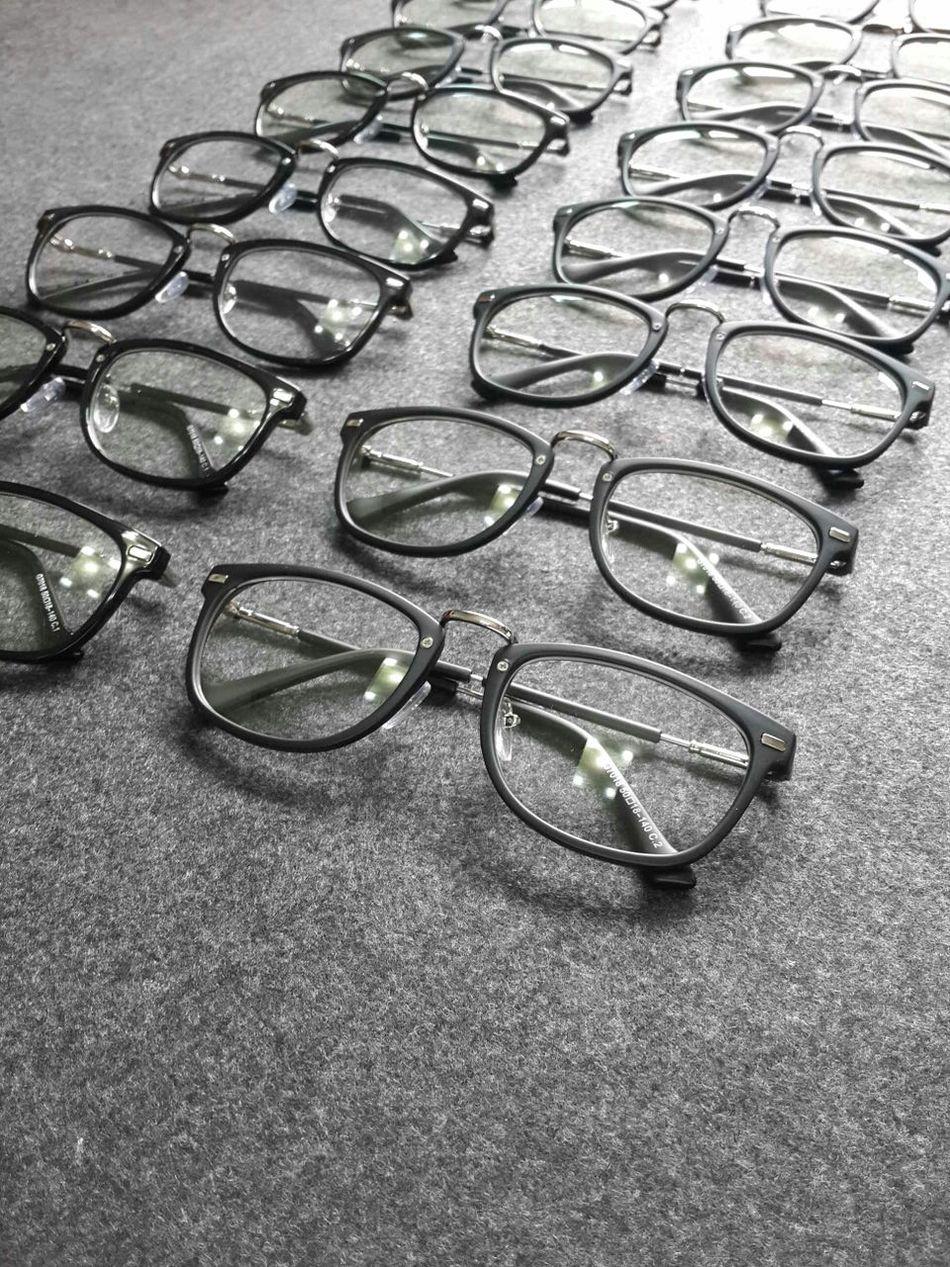 大軍殺到 - #shenzhen #love glasses @mimeplay