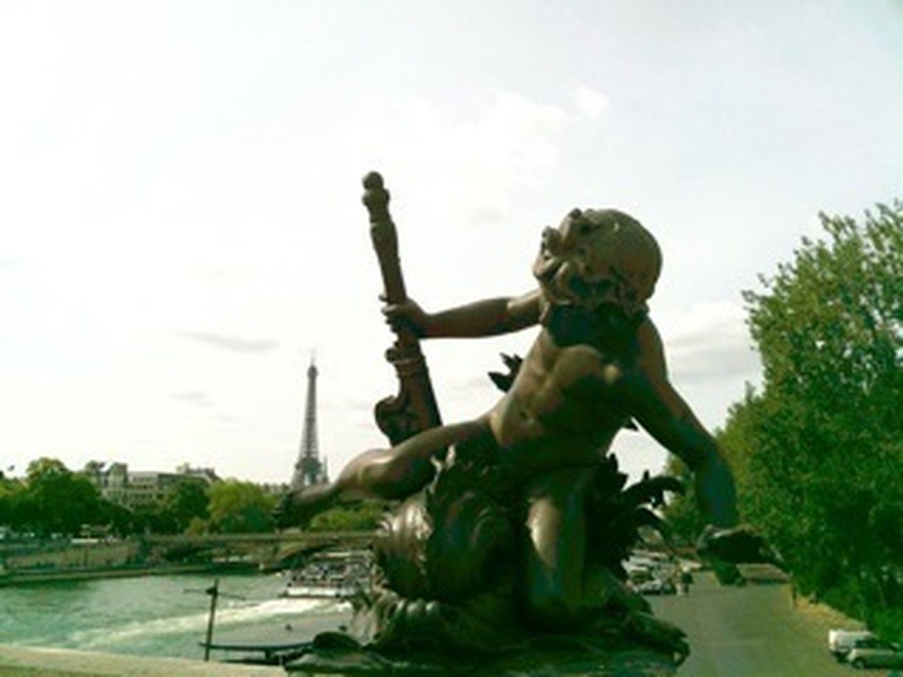 GetYourGuide Cityscapes Paris Grandpalais