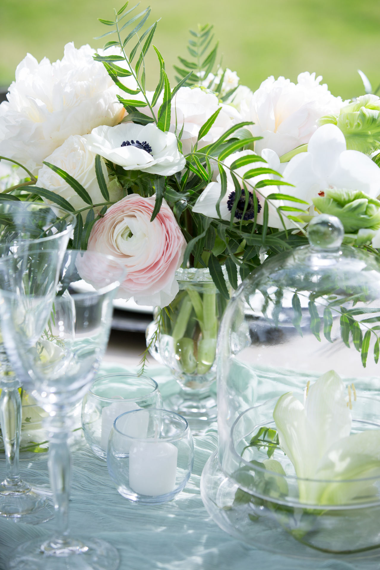 Close-up Day Floral Floral Containers Floral Pattern Florist Florits Flower Freshness Glass Glass Reflection Hands At Work Out Of Focus Background Peonies Peony  Peony Flower Pink Roses Shallow Shallow Depth Of Field Shallow Focus Table Table Setting Tablecloth Tablesetting