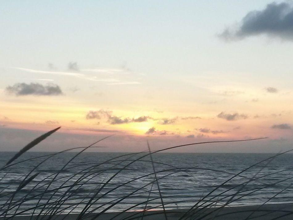 Danmark Beach Sunset. Sunset Cloud - Sky Sea Sky Scenics Nature Water Beauty In Nature Horizon Over Water Samsung Galaxy S4 Samsungphotography Newoneyeem First Eyeem Photo EyeEm Best Shots EyeEmNewHere Eye4photography  Danmark Stranden Søndervig