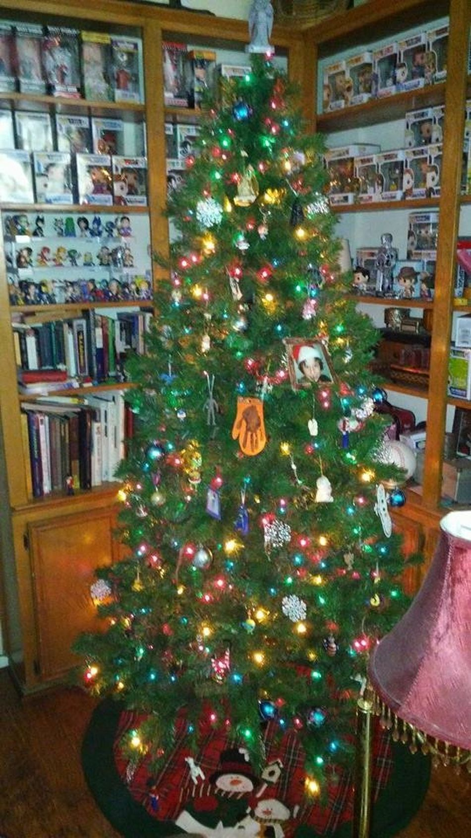 Christmas Tree Friend's House Festive Season Pop Collection