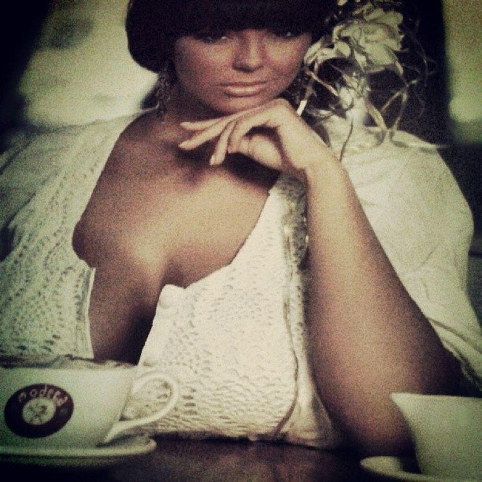 Fat Nikoleta Lozanova Coffee comersialmodera
